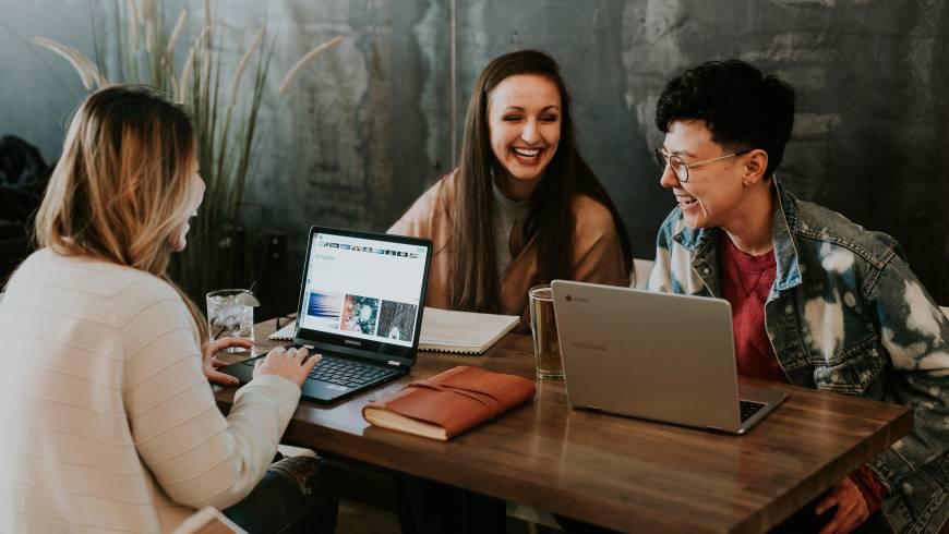 ¿Es posible que las empresas mejoren los resultados a partir de gestionar la felicidad en el trabajo?