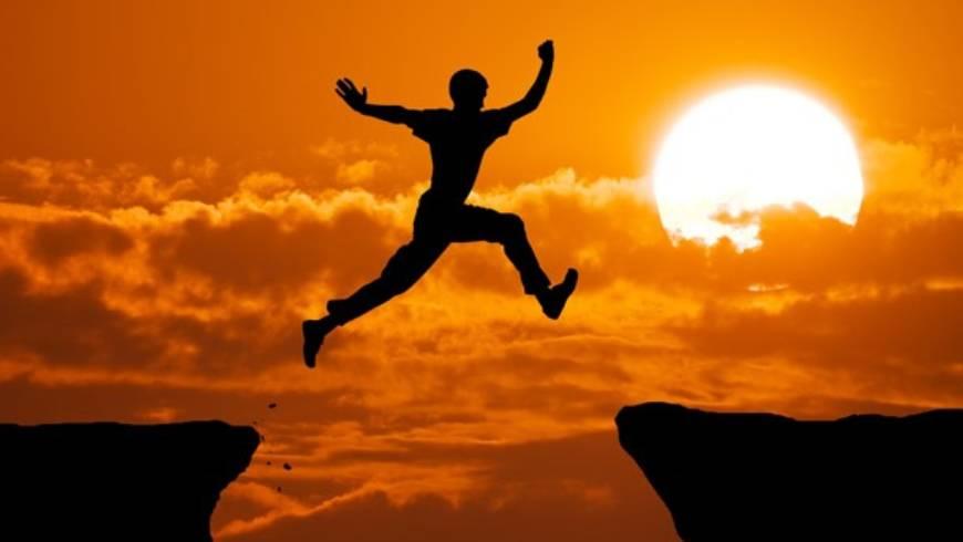 """""""No es valiente aquel que no siente miedo, sino el que sabe conquistarlo"""""""